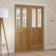 Malton Oak Door Pair with Bevelled Clear Safety Glass. #maltondoor #oakdoorwithbevelledglass #oakdoorpair