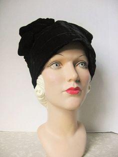 SALE! Edwardian Circa 1918 Black Velvet Bonnet Tam Hat / Stella Maris