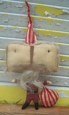 relisted Primitive Christmas  Square Head Santa by Rabbithollowprims, $18.95