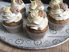 Mrkvové cupcakes s javorovým sirupem Mini Cupcakes, Cheesecake, Clean Eating, Treats, Sweet, Desserts, Pizza, Food, Sweet Like Candy
