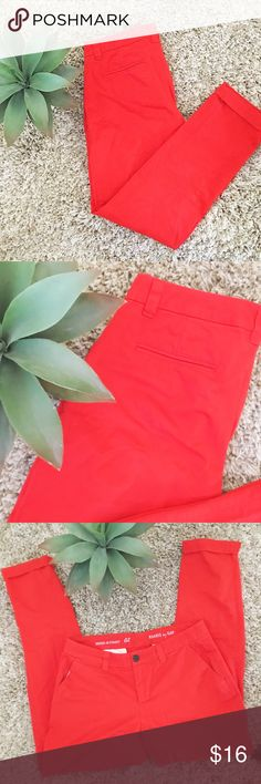 "GAP Red Broken-In Straight Cropped Khakis Great condition, super cute broken-in bright red khakis from Gap that are slightly cropped at the ankle (with a rolled cuff) and a boyfriend-like fit. I've only worn these a couple times, but they are a bit too big for me (I'm a true size 2). Tag says Size 2, but because of the looser ""boyfriend"" khaki fit, I've marked these at size 4. Includes belt loops, working pockets and zipper closure. ⭐️ Offers welcome! 20% off bundles of 2+ ⭐️ GAP Pants Ankle…"