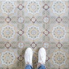 Street Style | Bullboxer shoes from instagram @ maaike.andrea #bullboxer #bullboxershoes #bullboxerfootwear #whiteshoes #whitesneakers #womensshoes #braidedshoes #trendyshoes #shoesoftheday