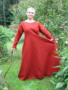 Dress number 38 in 18 hours. Norse Clothing, Medieval Clothing, Historical Costume, Historical Clothing, Vikings, Viking Garb, Funky Fashion, Fashion Ideas, Medieval Costume