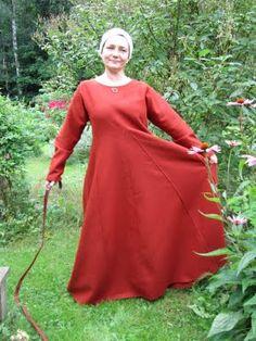 Hibernaatiopesäke: Mekko 38, 18 tuntia. Dress number 38 in 18 hours.