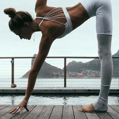 I'm not saying yoga can fix almost everything. But yoga can fix almost anything wearing @aloyoga top to toe