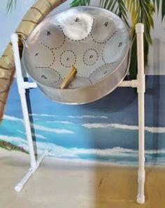Steel drum with stand