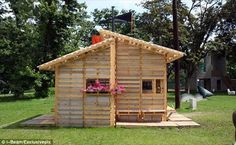 10 DIY Wooden Pallet House | Pallets Designs
