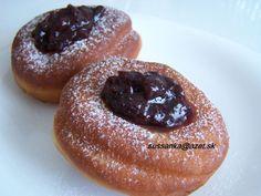 Tieto šišky sú mäkkučké a vydržia mäkké aj na druhý deň Eastern European Recipes, Czech Recipes, Doughnut, Sweet Recipes, Donuts, Sweet Treats, Cooking Recipes, Pudding, Bread