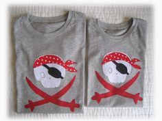 En esta entrada todas las camisetas son para niños, y con el mismo motivo de calaveras.                         Todas han quedado muy bonit...