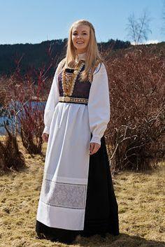 Tusen Ting: Konfirmasjon og pynteideer til jente Folk Costume, Costumes, Norway, Kimono Top, Bell Sleeve Top, Cover Up, People, Denmark, Tops