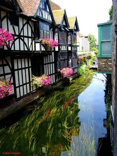 Canal, Canterbury, ENGLAND. (photo via francoise)
