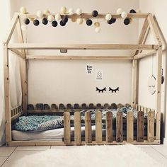 """Gefällt 149 Mal, 5 Kommentare - good moods* (@good__moods) auf Instagram: """"Wundervolles Kinderbett der lieben @herzmelodieee, geschmückt mit unserer good moods* Lichterkette!…"""""""