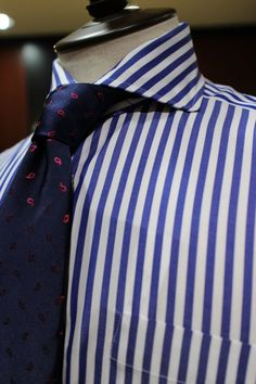 Suit Fashion, Mens Fashion, Cool Style, My Style, Tie Knots, Gentleman Style, Mens Clothing Styles, Mens Suits, Color Splash