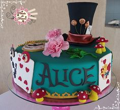 47 Best Ideas Party Birthday Food Alice In Wonderland Alice In Wonderland Tea Party Birthday, Alice In Wonderland Cakes, Alice In Wonderland Birthday, Wonderland Party, Mad Hatter Cake, Mad Hatter Party, Fondant Cakes, Cupcake Cakes, Bolo Tumblr