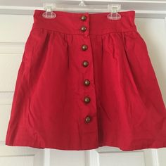 Red loose skirt with buttons and pockets Red loose skirt with buttons and pockets Forever 21 Skirts