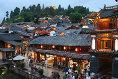 Old Town of Lijiang, Lijiang's old town (including the Dayan old town, Basha housing cluster and Shuhe housing cluster), China. Inscription in 1997. Criteria: (ii)(iv)(v)