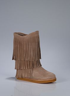 I can already hear the swoosh swoosh of this leather fringe while I walk. Such a fun and comfortable style! Boho Boots, Fringe Boots, Leather Fringe, Cute Shoes, Me Too Shoes, Walk In My Shoes, Wedge Boots, Comfortable Fashion, Fashion Shoes