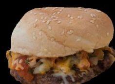 TACO BURGERS Recipe American Hot Dogs, Taco Burger, Big Burgers, Burger Recipes, Hamburger, Sandwiches, Tacos, Favorite Recipes, Beef