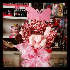 Arreglo san valentin con manzana chocolates y malvaviscos...so cute!