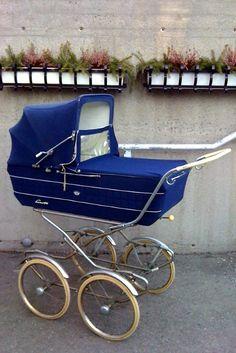 Bilderesultat for vintage barnevogner Pram Stroller, Baby Strollers, Vintage Pram, Prams And Pushchairs, Baby Buggy, Dolls Prams, Baby Prams, Baby Carriage, Aesthetic Pictures