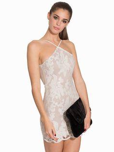 Bright Spark Dress - Love Triangle - White - Festklänningar - Kläder - Kvinna - Nelly.com