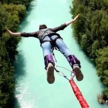 amazing-stuff-online-extreme-water-sports-bungee-jumping-to-water-below