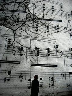 wall of music via monochromeaddict)