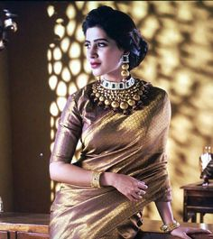 """Samantha Ruth Prabhu is looking like a princess in her traditional look. Draped in a beautiful golden saree, she is giving out all the royal vibes. She captioned this photo, """"Coz my friend /stylist/all that ,is killing it today Samantha Ruth, Samantha In Saree, Samantha Photos, Golden Saree, Saree Poses, Saree Photoshoot, Photoshoot Style, Plain Saree, Desi Wear"""