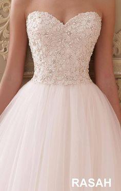 Strapless Sweetheart Ballgown by David Tutera - Wedding Ideas Wedding Dress Outlet, Pretty Wedding Dresses, Cute Prom Dresses, Wedding Dress Trends, Princess Wedding Dresses, Wedding Dress Styles, Pretty Dresses, Bridal Dresses, Beautiful Dresses