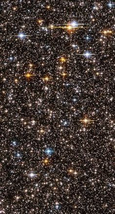This view across 24,000 light years of the Milky Way Galaxy shows over 150,000 stars! - Hubble telescope, feb. 2004