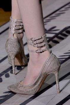 runway-shoes: Valentino Couture Fall 2011