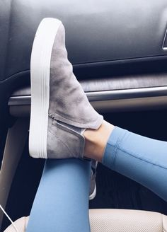 Fall Winter Ankle Boots For Fashion Outfits - Chaussures Femme Daily Shoes, Women's Shoes, Me Too Shoes, Suede Shoes, Dress Shoes, Ankle Boots, Shoe Boots, Cute Shoes Boots, Wedge Boots