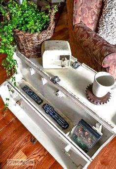 The storage inside / A funky tool box side table with hidden junk storage / via http://www.funkyjunkinteriors.net/
