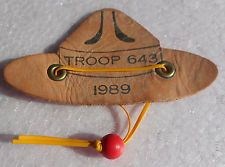 VINTAGE BSA LEATHER NECKERCHIEF SLIDE SHAPE OF HAT  TROOP 643 1989