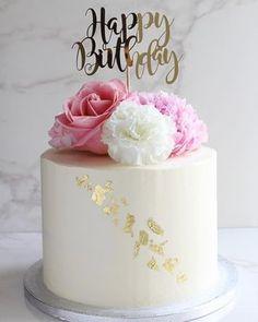 Lemon, Elderflower and White Chocolate Cake — Hannah Bakes - Birthday Cake Birthday Cake For Women Simple, Women Birthday, Simple Birthday Cakes, White Birthday Cakes, Birthday Kids, Mom Cake, Cake Kids, Grandma Cake, Cake Baby