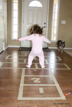 Fun DIY activities for kids this winter. | http://pioneersettler.com/25-fun-activities-for-kids-get-winter-storm-indoors/