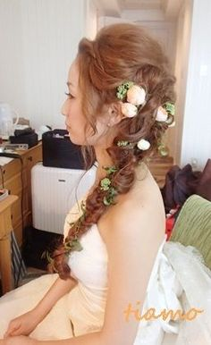 「 ステキ花嫁さまの人気ラプンツェルヘアー♡ 」の画像 大人可愛いブライダルヘアメイク『tiamo』の結婚カタログ Ameba (アメーバ) Dress Hairstyles, Party Hairstyles, Formal Hairstyles, Bride Hairstyles, Wedding Hair Flowers, Wedding Updo, Flowers In Hair, Bridal Hair And Makeup, Hair Makeup