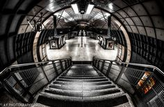 The Sleeping Giant | London Bridge, Underground Station, London