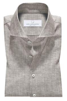 Man Dress Design, Kurta Pajama Men, Formal Men Outfit, Formal Shirts For Men, Mens Designer Shirts, Mens Fashion Wear, Men Dress, Dress Shirt, African Men Fashion