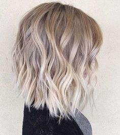 14.Short Blonde Hairstyle