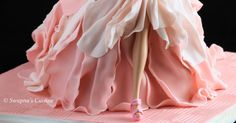 The Fashionista Doll Cake, How to make The Fashionista Doll Cake, How to make ipoh bakery fashion doll cake, The Fashionista Doll Cake Pictures, Barbie Doll Cake Pictures, Barbie Cake Pictures, Princesses Cake Pictures, Barbie Doll cake with fondant, Ipoh Bakery Doll Cake, Doll Cake,