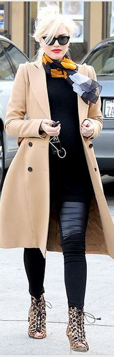 Who made  Gwen Stefani's beige coat?