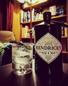 Gin and tonics with Hendricks for thursday! @hendricksgin #gin #ginstagram #ginspiration #ginoclock #ginisthenewipa #ginzealand #hendricksgin #hendricks #ginamdtonic #gintonictime