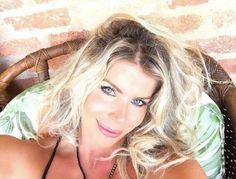 Karina Bacchi anuncia gravidez independente nas redes sociais