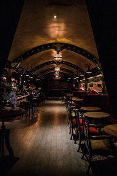 Victorian London in The Heart Of San Francisco Underground Bar, London Underground Stations, Victorian Bar, Victorian London, Pub Interior, Restaurant Interior Design, Modern Restaurant, Cafe Bar, Speakeasy Decor