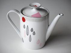 Vintage teapot Jeanne in the woods by celindaversluis on Etsy, €45.00