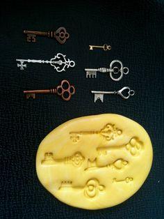 Flexible Mold- 6 Steampunk Vintage keys- Food safe, dollhouse, minis, mixed media scrapbooking. $8.00, via Etsy.