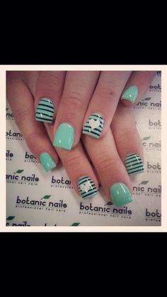 quenalbertini: Nail Art Design by botanic nails Green Nails, Blue Nails, My Nails, Red Nail, Pastel Nails, Lexi Nails, Black Nail, Black White, Heart Nail Designs