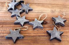 Αστέρια Ξύλινα 20τεμ. WI0052  Ξύλινα διακοσμητικά αστέρια με κορδόνι σε χρώμα γκρι. Η συσκευασία περιέχει 20 τεμάχια. House, Home, Haus, Houses, Homes