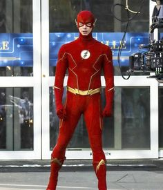 The Flash Grant Gustin, Dc Universe, Supergirl, Netflix, Costumes, Tv, Entertainment, Trippy Drawings, Dress Up Clothes